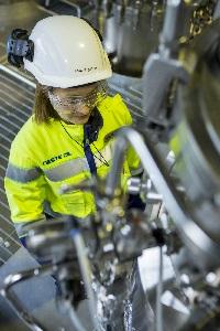 NesteOil käytti viime vuonna miljoona tonnia jätteitä ja tähteitä uusiutuvien polttoaineiden valmistuksessa.