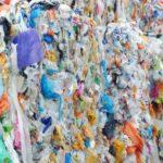 Nesteytetylle muovijätteelle iso ostaja
