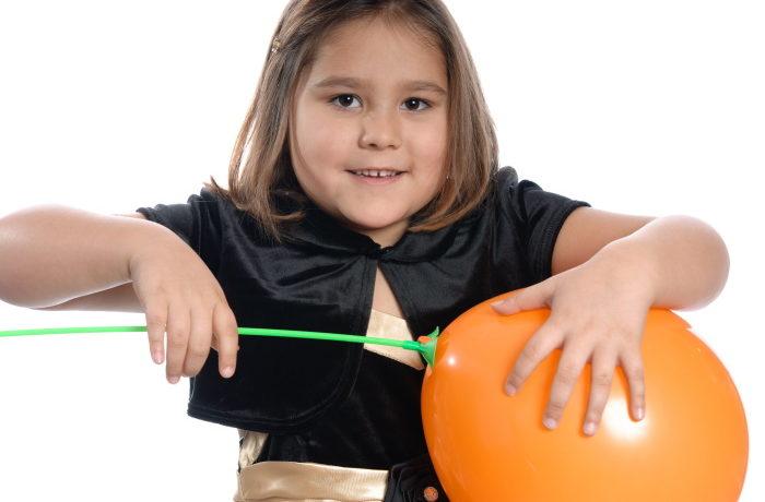 EU:n SUP-direktiivi kieltää esimerkiksi ilmapallojen muoviset tikut.