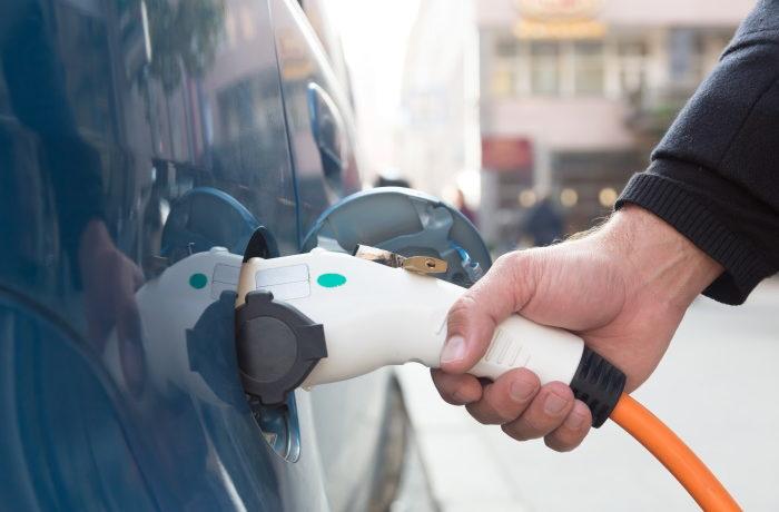 Sähköautoihin tarvitaan lähivuosina runsaasti akkuja.