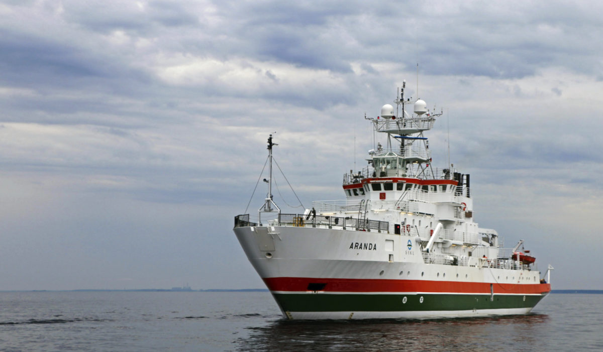 Suomenlahden  laineilla seilaa nyt hulppean omakotitalon verran laboratorio- ja näytteenottotilaa.