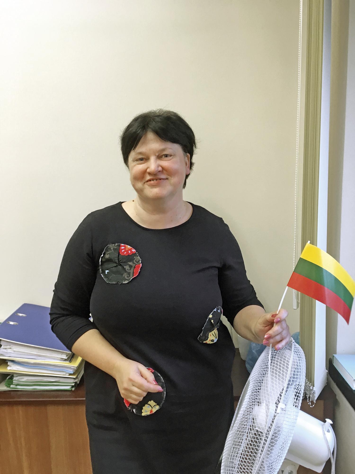 Kaunasin kaupungin ympäristöosaston johtaja Radeta Savickienè kertoo kaupungin valmistautuvan EU:n kiristyviin kierrätystavoitteisiin uudistamalla keräyskalustoaan.