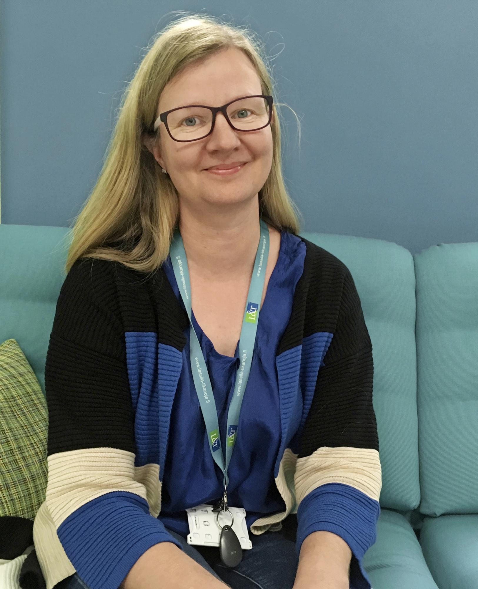 Lassila & Tikanojalla johtavana asiantuntijana työskentelevä Hanna Huttunen toivoo, että viranomaiset olisivat joustavia mahdollisten lisäaikapyyntöjen kanssa.