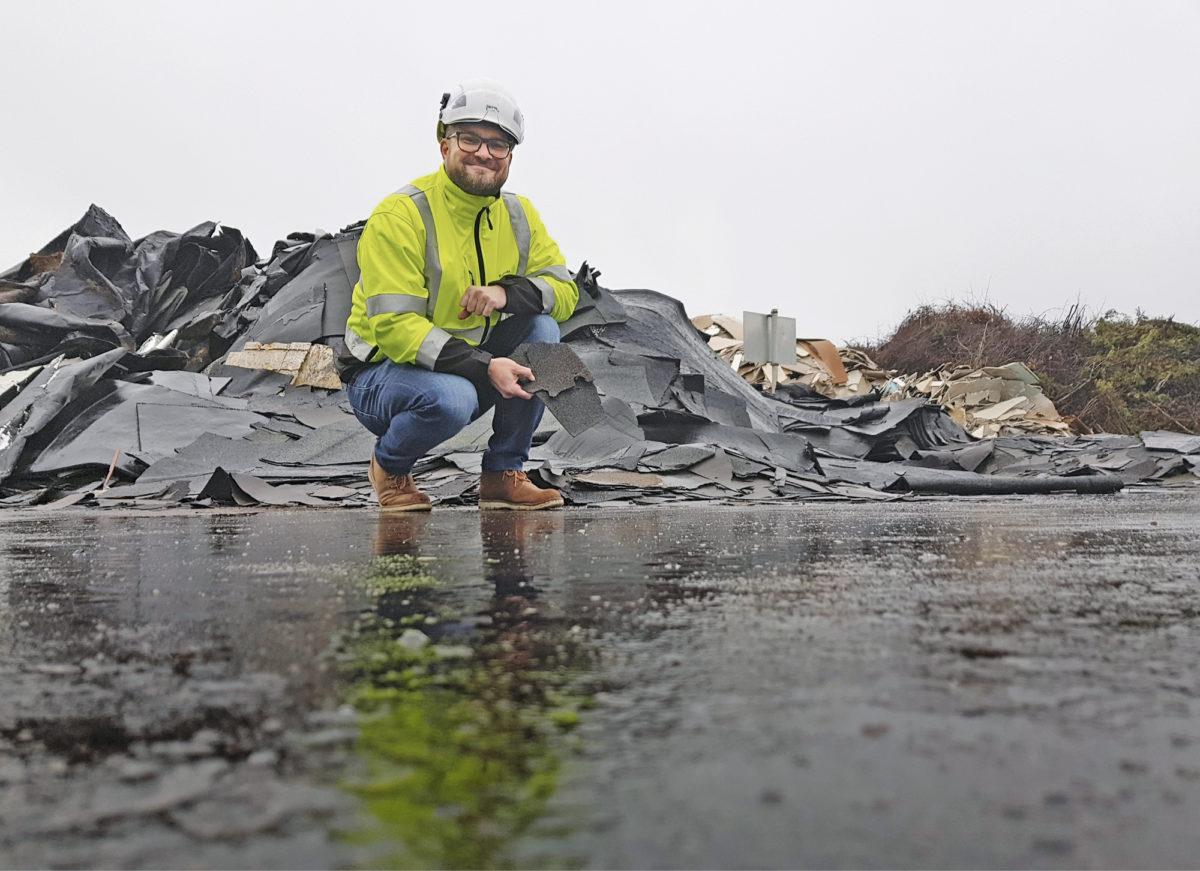 Kymenlaaksossa kierrätysliiketoimintaa pyöritetään asvaltilla, joka on kierrätettyä, kertoo laitospäällikkö Aki Koivula.
