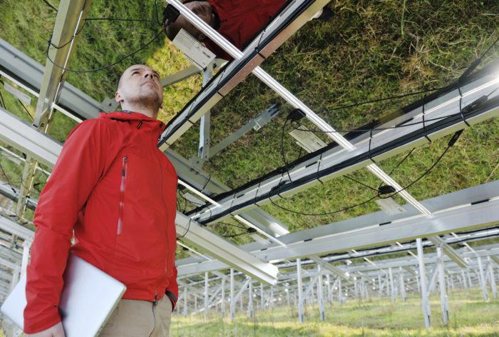 Aurinkopaneelien kehitys etenee harppauksin, samoin led-valaistuksen. Nämä yhdessä voivat mullistaa esimerkiksi ruoantuotannon niin, ettei viljelyyn tarvittaisi enää peltoja, vaan kasvatus voisi tapahtua kellareissa.