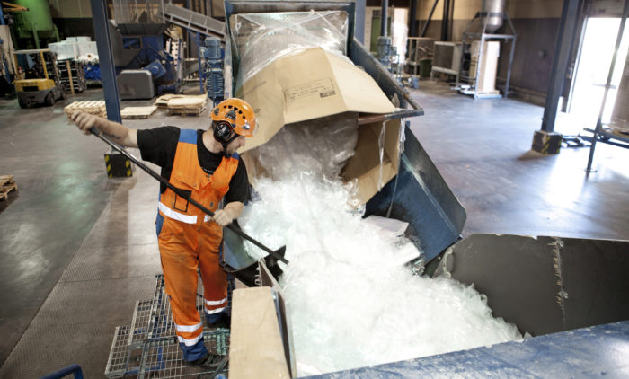 L&T:n muovinkierrätyslaitos Merikarvialla laajenee: Esikäsittely-, pesu- ja kuivaustekniikkaa tehostava laajennus otetaan käyttöön kesällä.