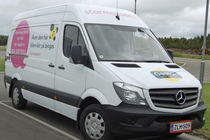 Noutopalvelu pyörii jatkossa Stormossenilla biokaasukäyttöisellä pakettiautolla.