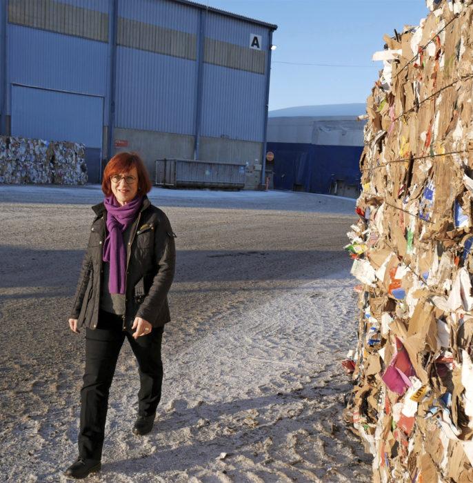 Keskieurooppalaisissa varastoissa seisoo miljoonia tonneja keräyspaperia, Merja Helander kertoo.