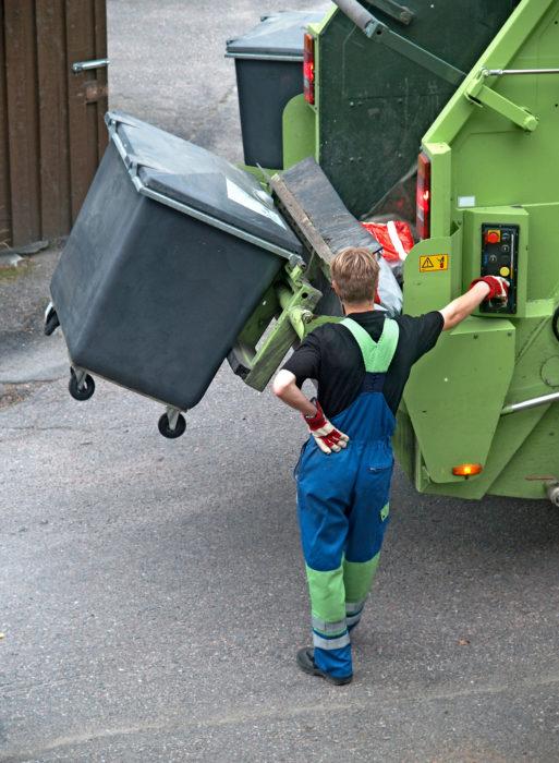 Kunnat ja kunnalliset jätehuoltoyhtiöt saavat pian apua jätteenkuljetusten hankintoihin.